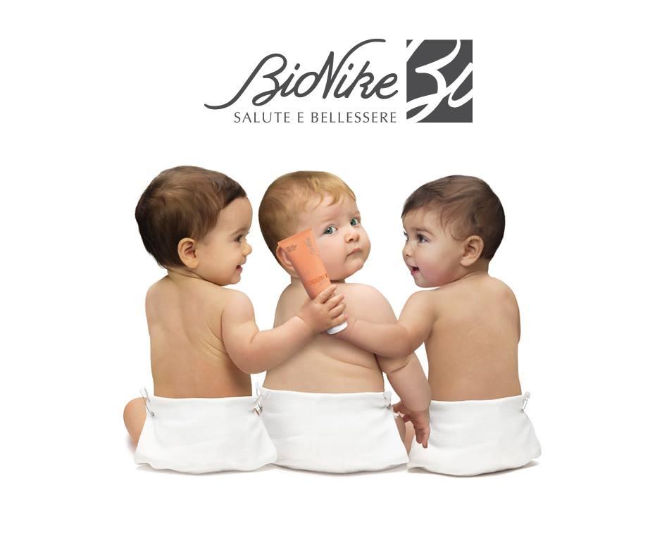 Con il freddo e in casa i caloriferi sempre più caldi, la pelle dei nostri bambini è più vulnerabile. Per mantenerla stupenda scopri la nuova BioNike baby bag