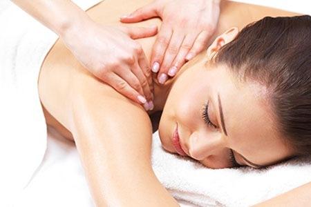 Che ne dici di un massaggio corpo gratis?